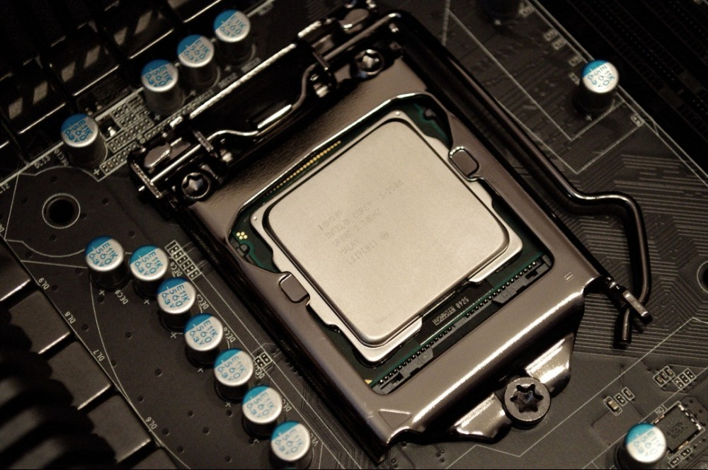 cpu_chip_board Guide On How To Build A Gaming PC