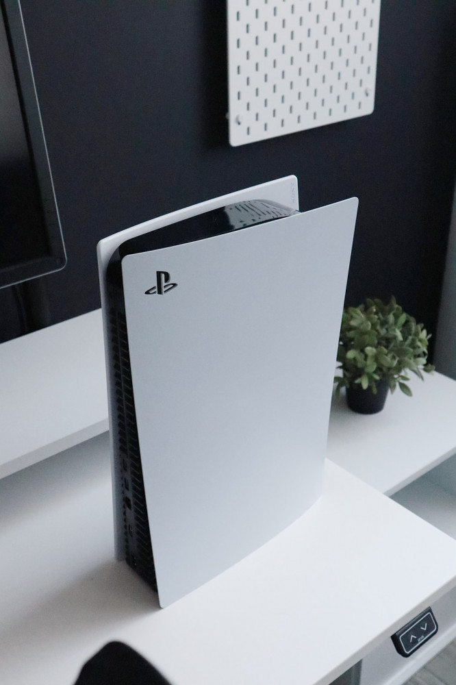 Best Monitors For PS5 - Cover